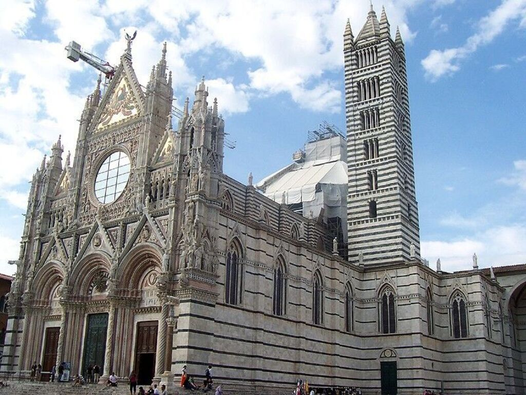 Kathedraal Van Siena.Bekijk Het Schitterende Interieur Van De Dom In Siena