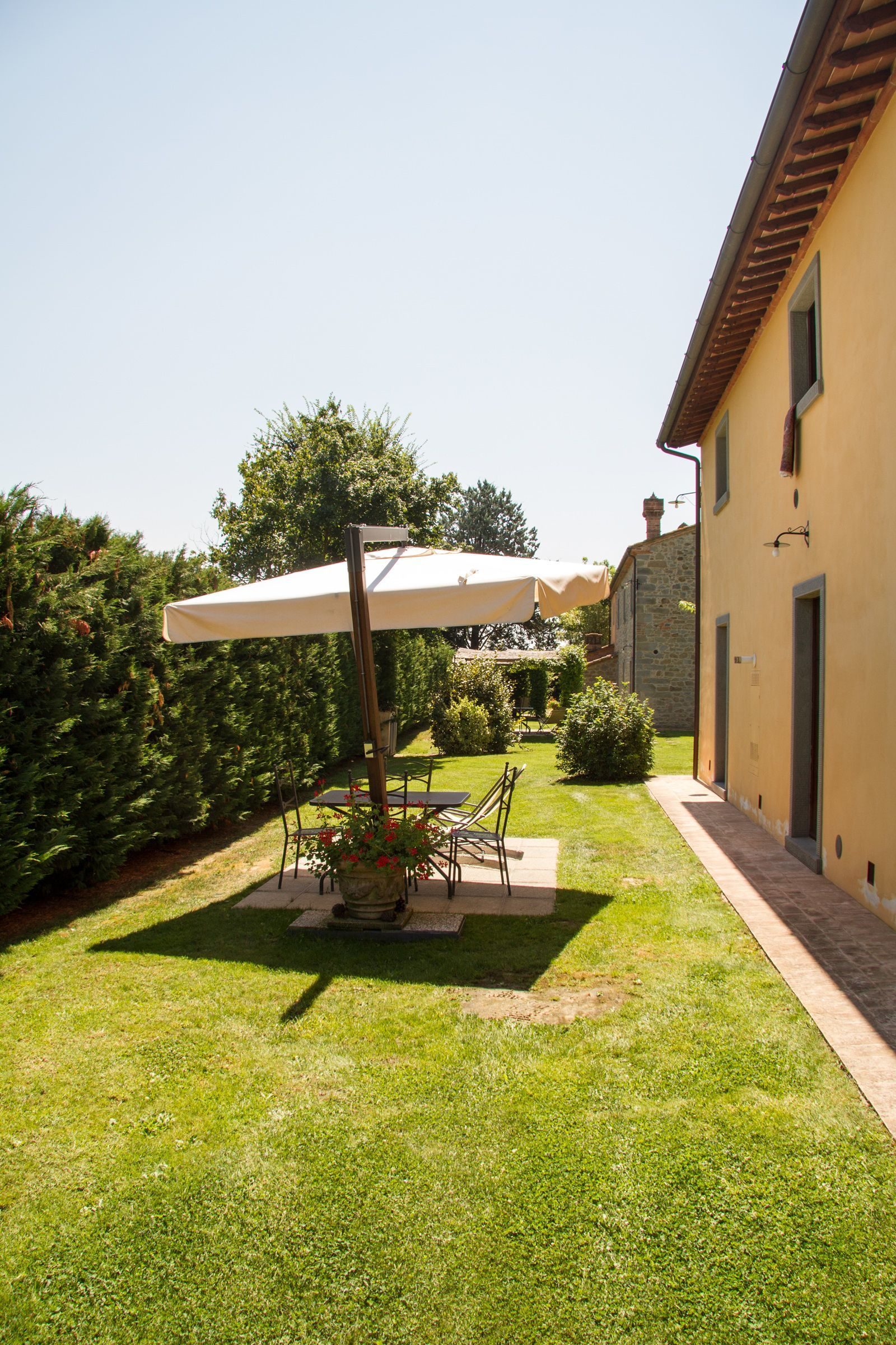 Agriturismo il sambuco 25 slaapplaatsen in 9 slaapkamers - Giardini curati ...