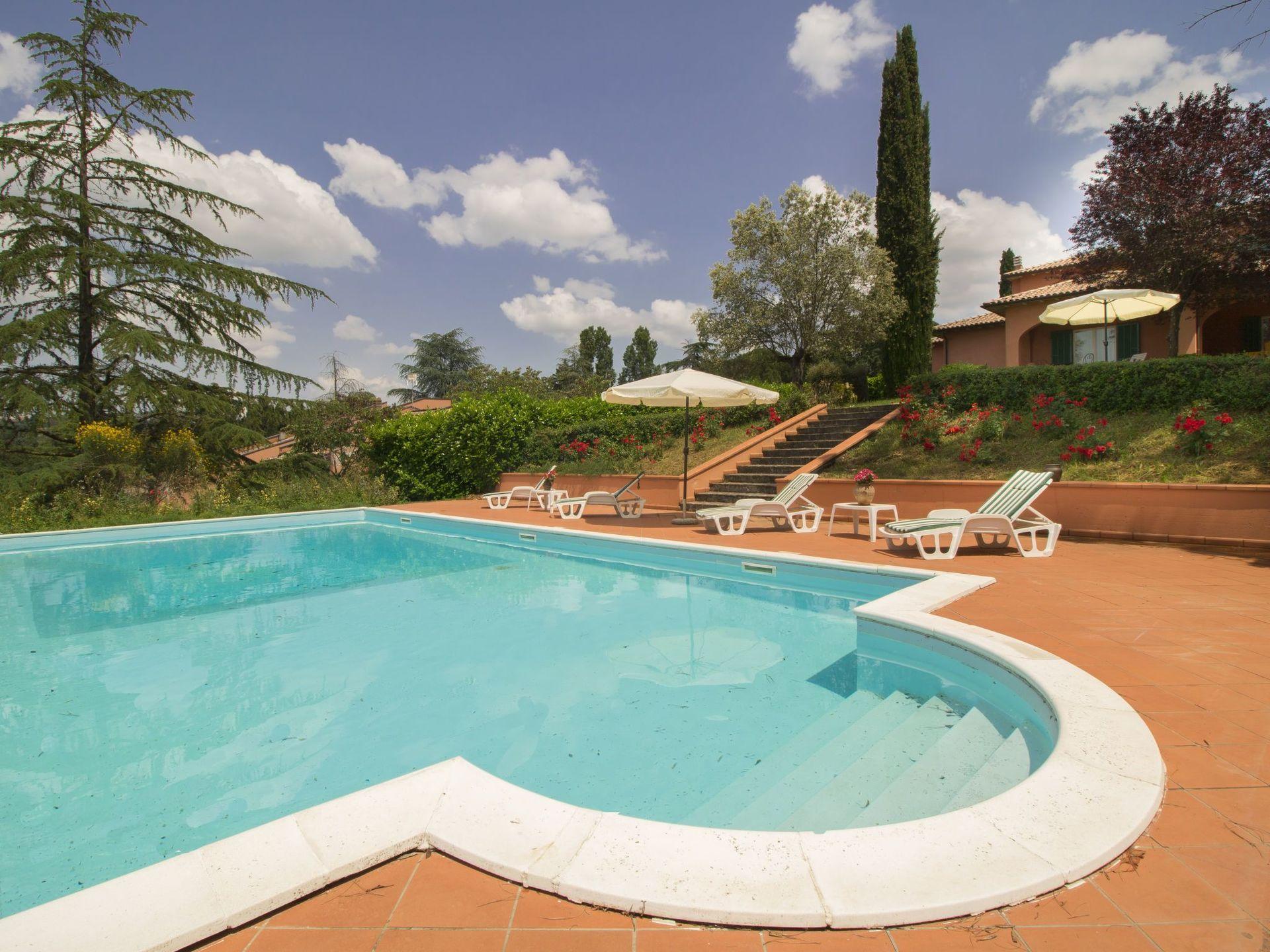 Balkon Met Jacuzzi : Vina 8 slaapplaatsen in 4 slaapkamers perugia umbrië italië