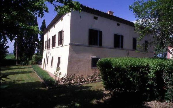 renaissance villa slaapplaatsen 11 in 6 slaapkamers vakantiehuis in campana toscane itali